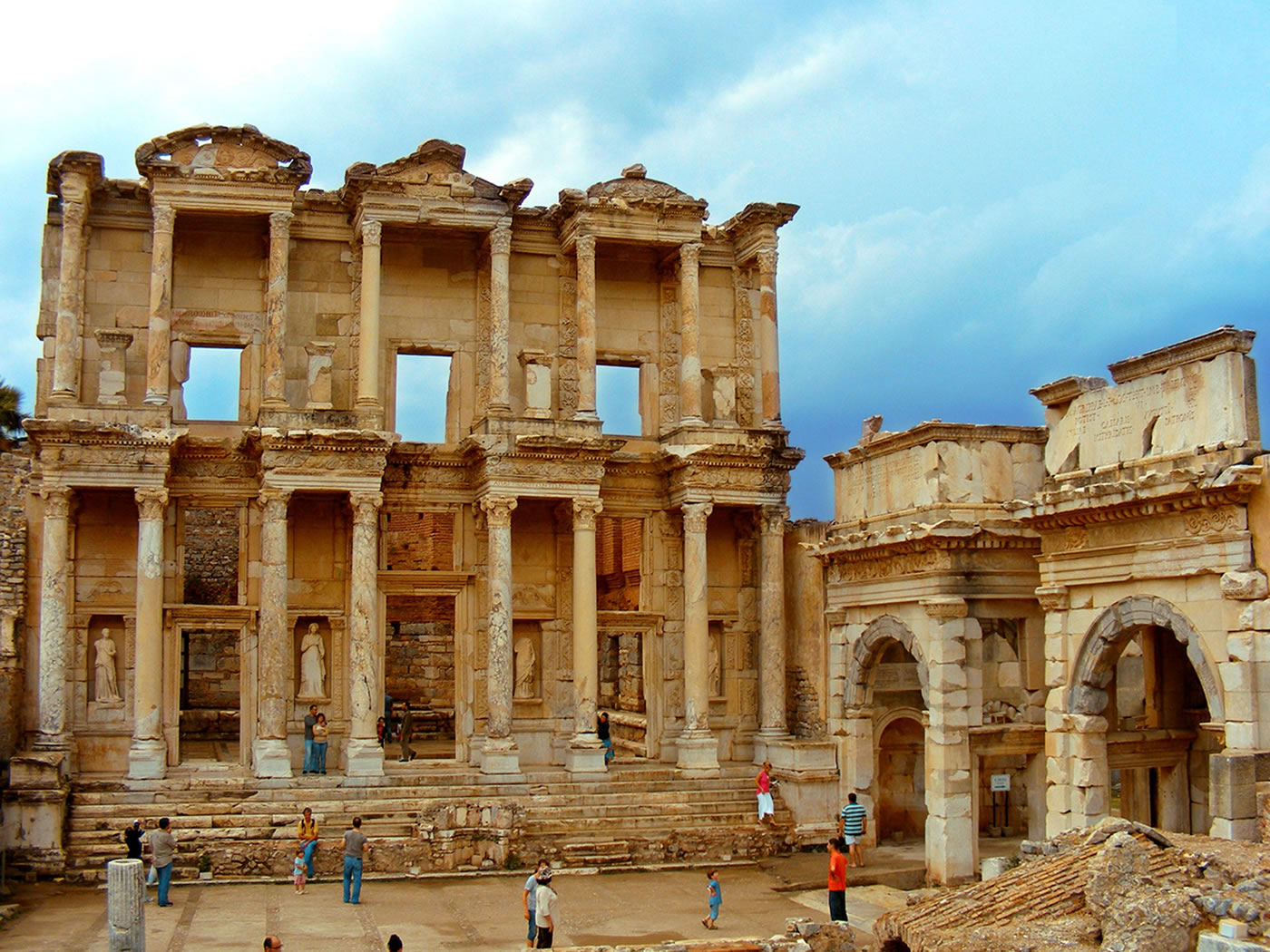 10 Days 9 Nights Istanbul, Gallipoli, Troy, Pergamon, Ephesus, Pamukkale And Cappadocia Tour Package
