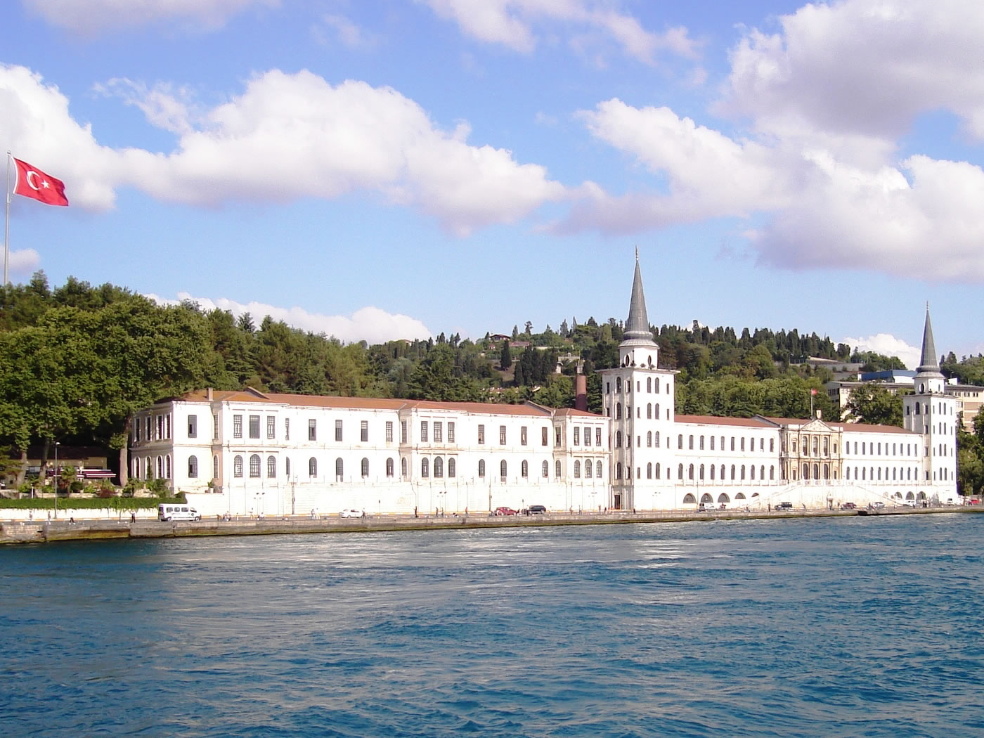 Bosphorus Boat Cruise Tour Half Day Morning Daily Tour In Istanbul